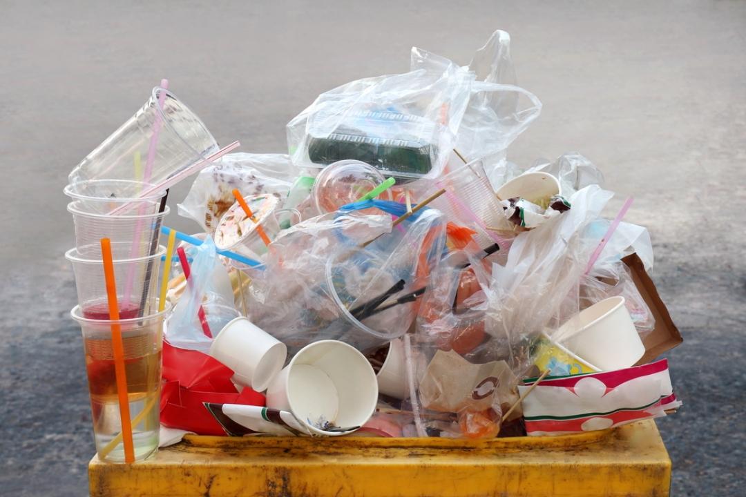 Избегайте пластмассы