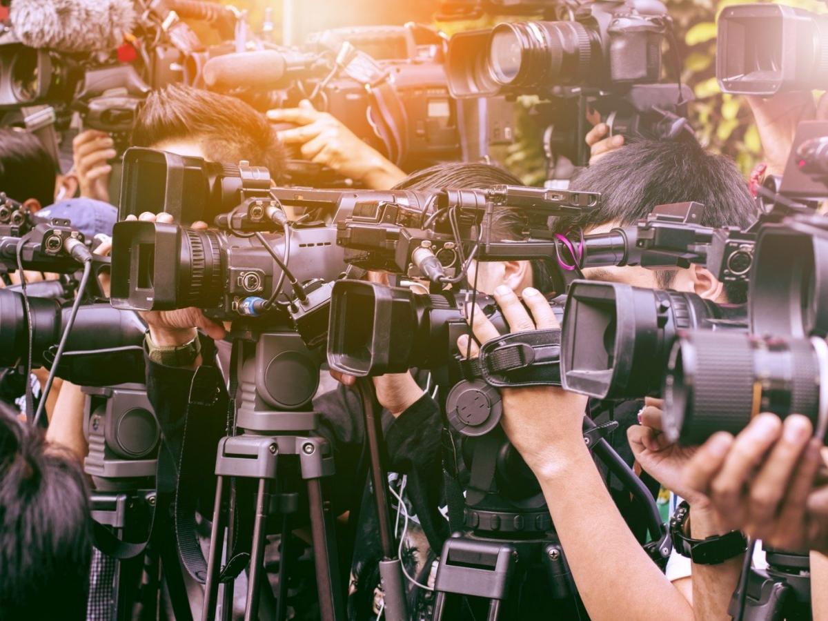 Медиа и СМИ