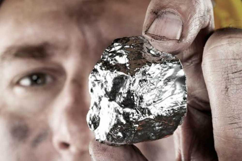 титан металл фото