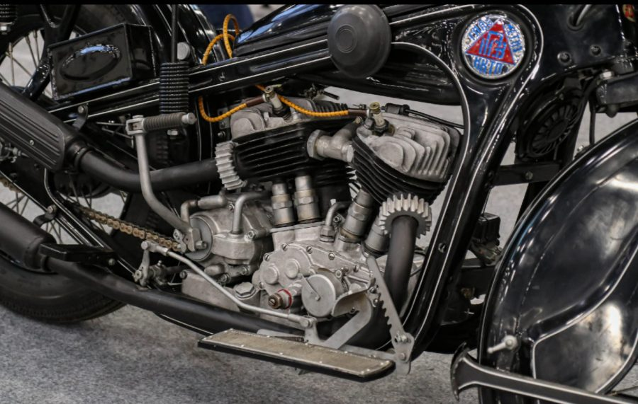 Первый советский тяжёлый мотоцикл Двигатель