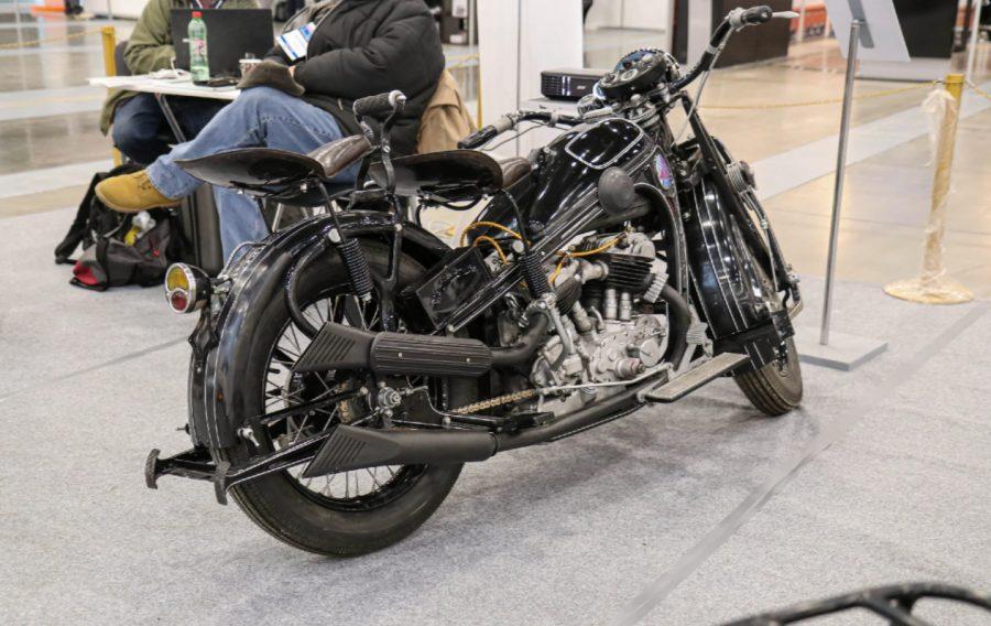 Первый советский тяжёлый мотоцикл Вид с боку